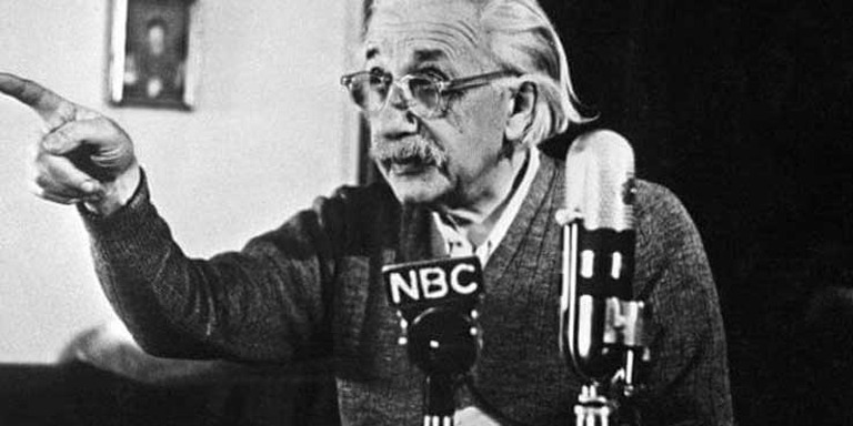 Fizik Kurallarını Alt Üst Eden Bilim İnsanı: Albert Einstein