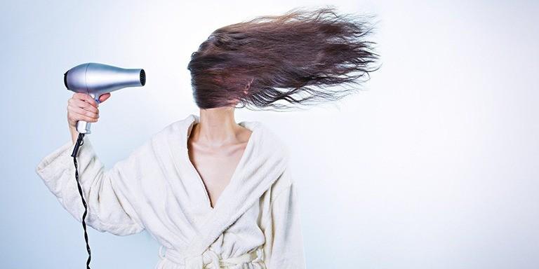 Sağlıklı Saçlar İçin Deneyebileceğiniz En Etkili Tüyolar