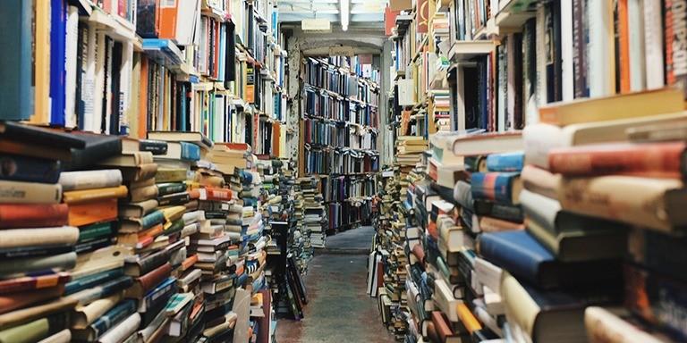Eski Kitap Kokusuyla Nostalji Yaşatan Sahaflar