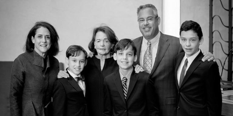 Dünyayı Gizlice Yöneten En Güçlü Ailelerin Gizemli Hayatları