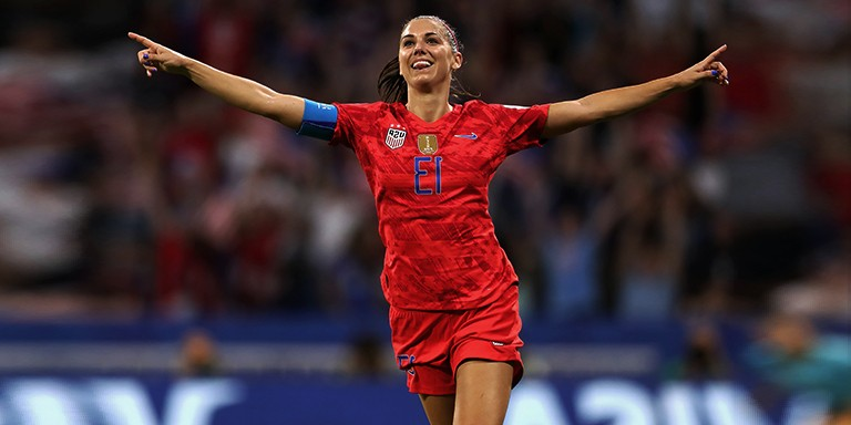 Güzellikleriyle Ön Plana Çıkan Kadın Futbolcular