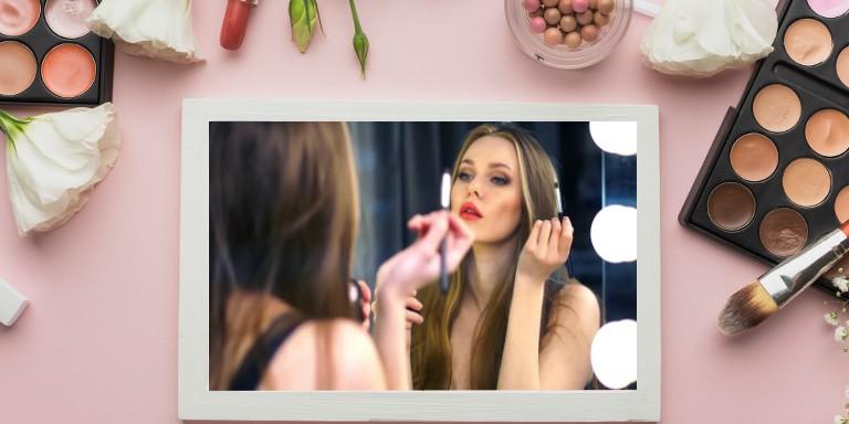 Sizi Anında Daha Genç Gösterecek 10 Makyaj Hilesi