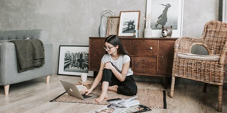 Kadınların Yalnız Başına Yapmaktan Hoşlandıkları 10 Aktivite