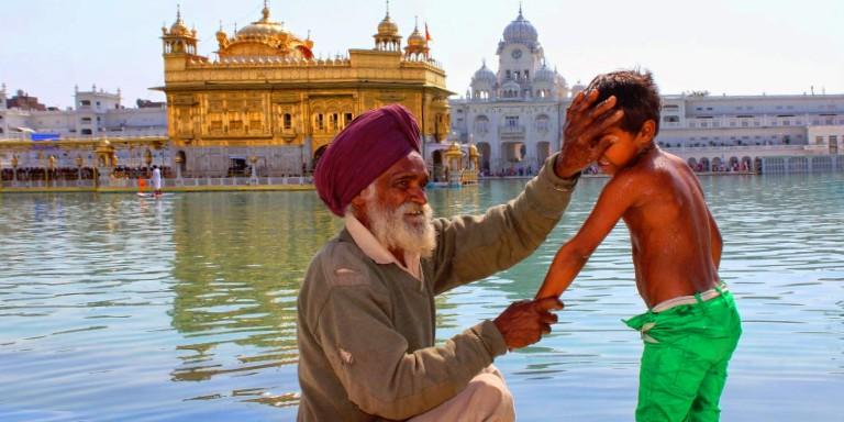 Hindistan'da Halen Devam Eden Birbirinden Farklı İnançlar