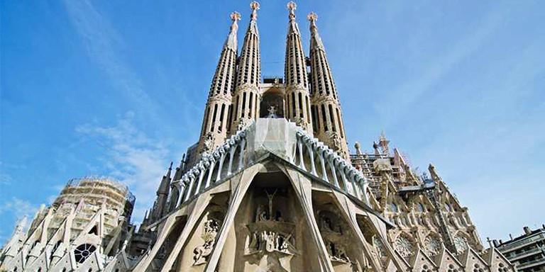 Bitmeyen Kilise La Sagrada Familia Hakkında Bilinmeyenler